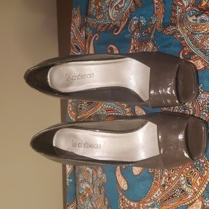 💙5 for $16- le chateau open toed heels